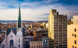 Взгляд церков и жилых районов от южной улицы Parki Стоковое Фото