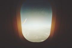 Взгляд через замороженное стекло иллюминатора Стоковое Фото