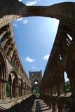 Взгляд через интерьер аббатства Jedburgh Стоковая Фотография