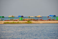 Взгляд шатров от солнца на пляже Стоковые Фотографии RF