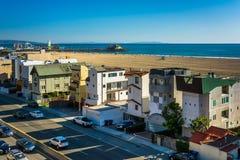 Взгляд шоссе Тихоокеанского побережья и пристани Санта-Моника стоковые фотографии rf
