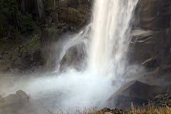 Взгляды вдоль тумана отстают до весеннего падения, Yosemite Стоковое Изображение RF