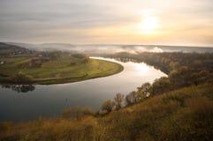 Взгляды в представлении реки Стоковые Изображения RF