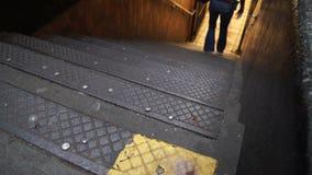 Взгляды лестниц в метро в NYC акции видеоматериалы