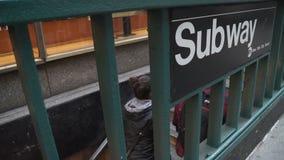 Взгляды лестниц в метро в NYC видеоматериал