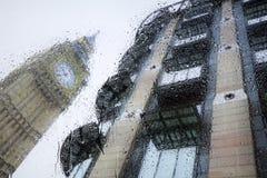 Взгляды Лондона через стекло стоковое фото