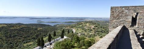 Взгляды от замка Monsaraz стоковое фото
