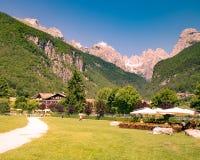 Взгляды доломитов, итальянские горные вершины Стоковые Фото