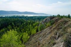 Взгляды реки от горы Стоковые Фото