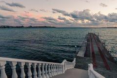 Взгляды Чёрного моря и пристани Стоковое Фото