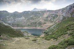 Взгляды Lago de Ла Cueva Стоковое фото RF