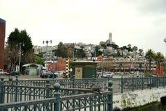 Взгляд для того чтобы телеграфировать холм и башня Coit Стоковое фото RF