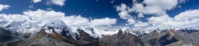 Взгляд Blanca кордильер панорамный Стоковое фото RF