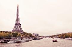 Взгляд Эйфелеваа башни и моста Стоковое Изображение RF