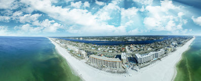 Взгляд Fort Walton Beach aeial на заходе солнца стоковое изображение rf
