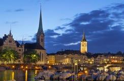 Взгляд Fraumunster и церков St Peter, Цюриха Стоковое Изображение RF