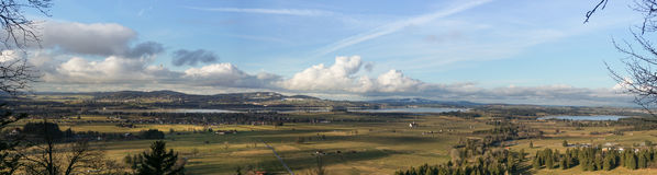 Взгляд Fussen панорамный от замка Нойшванштайна Стоковое фото RF