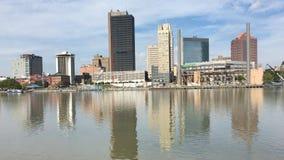 взгляд 4K UltraHD Toledo, Огайо на яркий день сток-видео