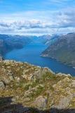 Взгляд Lysefjorden от утеса амвона в Норвегии Стоковые Фотографии RF