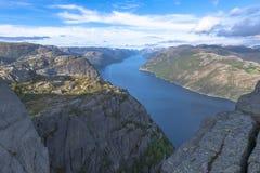 Взгляд Lysefjorden от утеса амвона в Норвегии Стоковые Изображения RF