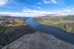 Взгляд Lysefjorden от утеса амвона в Норвегии Стоковое Фото