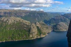 Взгляд Lysefjorden от утеса амвона в Норвегии Стоковые Фото