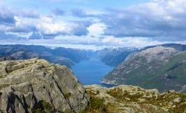 Взгляд Lysefjorden от утеса амвона в Норвегии Стоковое фото RF