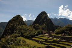 Взгляд Machu Picchu над обрабатывать землю террасы Стоковая Фотография