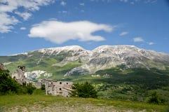 Взгляд Maiella от Roccacaramanico Стоковое Фото