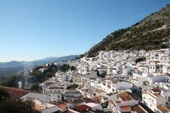 Взгляд Mijas с горами в предпосылке Стоковое Изображение RF