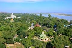 Взгляд Mingun от stupa Pahtodawgyi, Мандалая, Мьянмы Стоковая Фотография