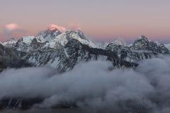 Взгляд Mount Everest от Gokyo Ri Стоковая Фотография