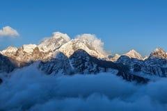 Взгляд Mount Everest от Gokyo Ri Стоковое Фото