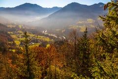 Взгляд mountians и долины Стоковое Изображение RF