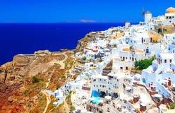 Взгляд Oia большинств красивая деревня острова Santorini в Греции Стоковые Фотографии RF