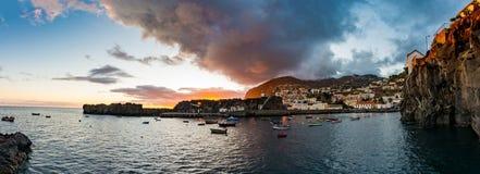 Взгляд Panoramatic рыбацкого поселка Стоковое Изображение RF