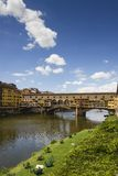 Взгляд Ponte Vecchio и River Arno Стоковое фото RF