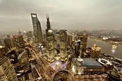 взгляд tv башни shanghai реки перлы в сторону разбивочного финансовохозяйственного lujiazui huangpu востоковедный Шанхай Lujiazui Стоковое Фото