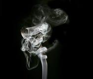 вздымаясь белизна дыма Стоковое Изображение RF