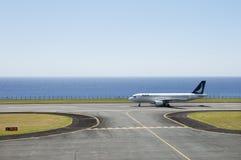взлет самолета готовый Стоковые Изображения RF