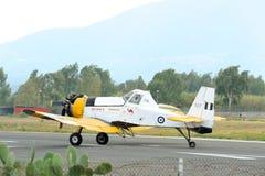 Взлет самолета PZL M18 b Dromader от действующей взлетно-посадочной полосы Стоковое Изображение RF