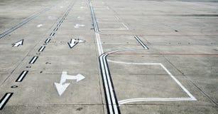 взлётно-посадочная дорожка авиапорта Стоковые Изображения RF