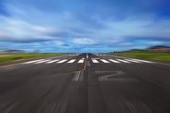 Взлётно-посадочная дорожка авиапорта Стоковое Фото