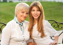Взрослые мать и дочь Стоковое Фото