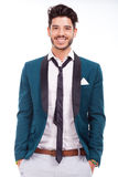 Взрослый одеванный с улыбкой Стоковая Фотография