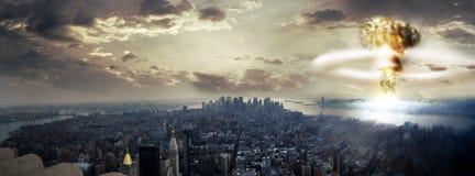 Взрыв ядерной бомбы Стоковые Изображения