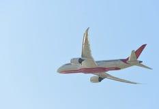 Взлет реактивного самолета Стоковые Изображения RF