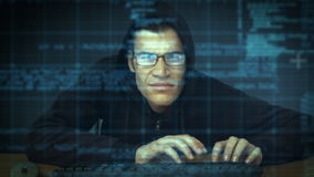 Взломщик рубя в компьютер видеоматериал