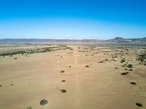 Взлётно-посадочная дорожка грязи в Onyuva, Намибии Стоковое Изображение