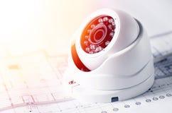 Видео- оборудование и светокопия безопасностью на таблице Хороший для места или рекламы машиностроительной фирмы службы безопасно стоковые изображения
